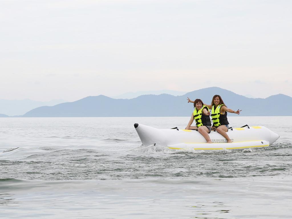琵琶湖でバナナボート体験