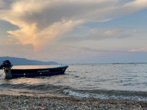 琵琶湖に浮かぶボート
