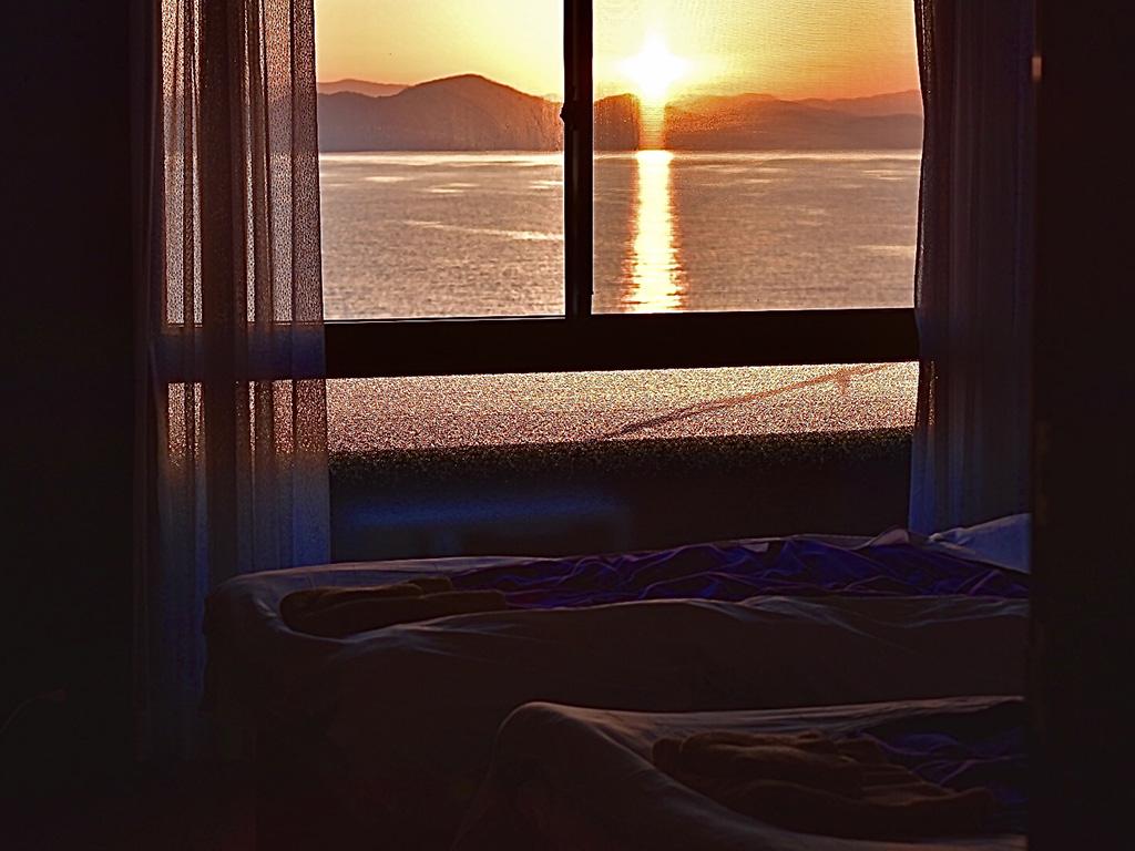 sinnsit寝室からの朝日